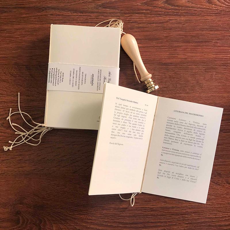 libretti messa con cordoncino e sigillo